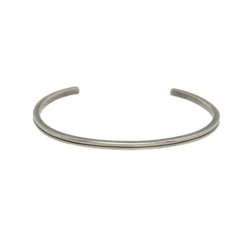 THEFT - narrow line silver bangle