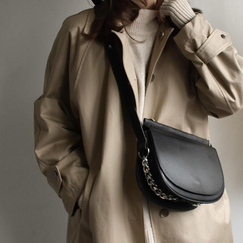 bag2-02430 チェーンデザイン ハーフムーンフラップショルダーバッグ