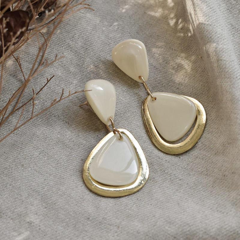 pierce2-02245 ゴールド&アイボリー トライアングル スタッドピアス