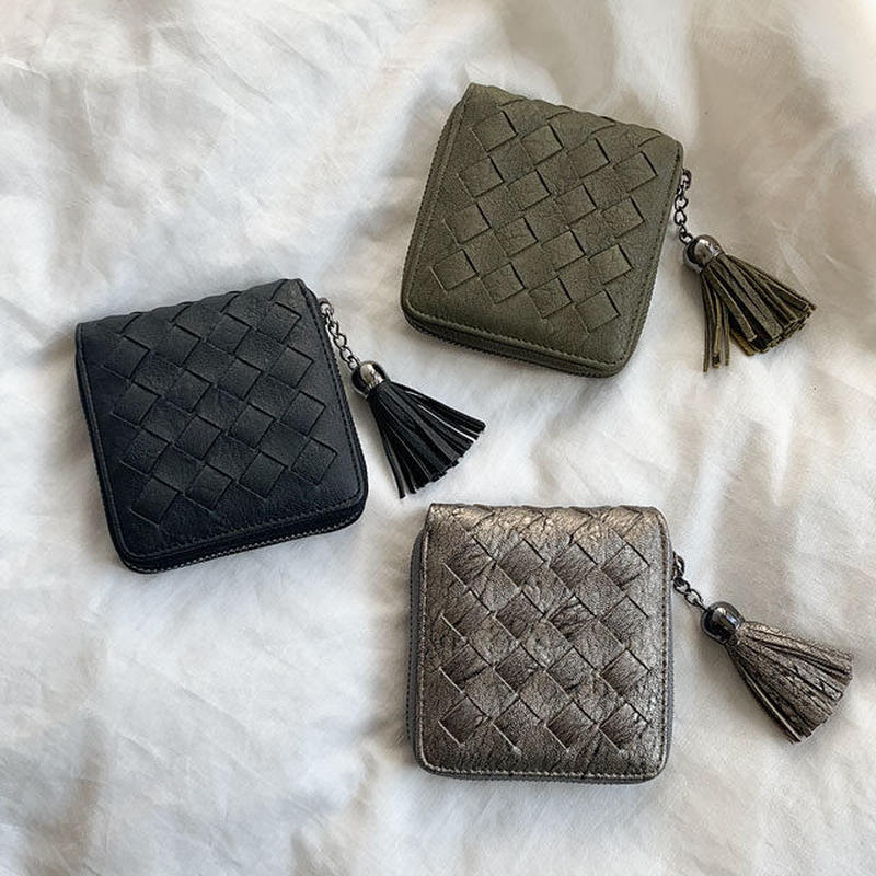 wallet-02077 編み込みデザイン タッセル付き 二つ折り財布