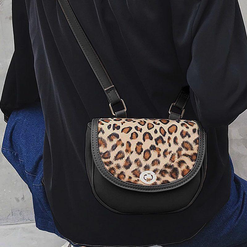 bag2-02408 ヒョウ柄 レオパード柄 ハーフムーンショルダーバッグ