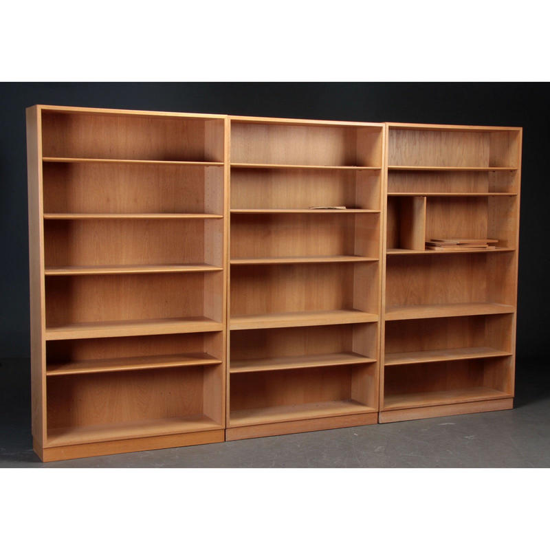 Model 144 Shelf Oak  by Børge Mogensen