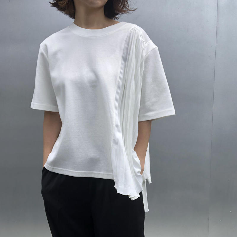 pleats T-shirt