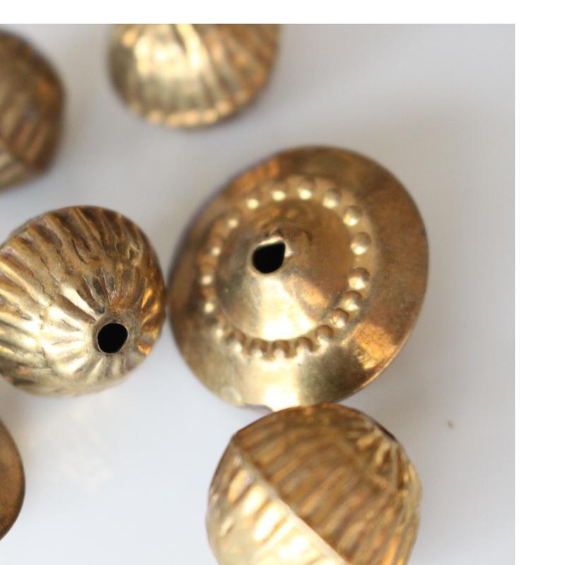 真鍮の円盤型パーツ ビーズ フランスヴィンテージパーツ デッドストック