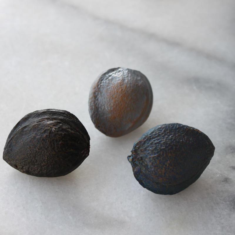 フランス現代ボタン 種のボタン グレー 一つ穴
