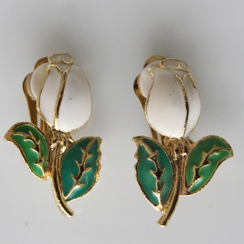 白いお花のイヤリング〈フランス1980年代デッドストック〉
