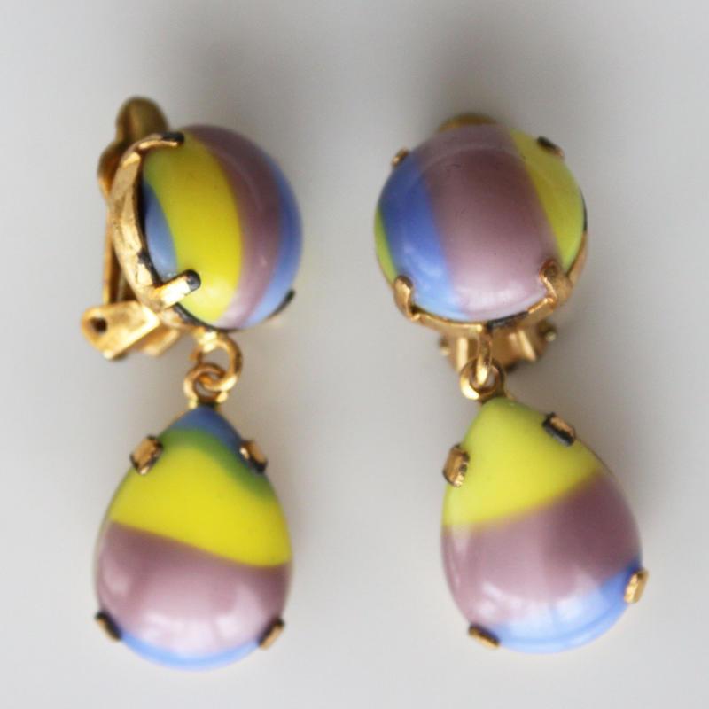 チェコガラスパール三色ドロップ揺らぐイヤリング〈フランス1970年代デッドストック〉