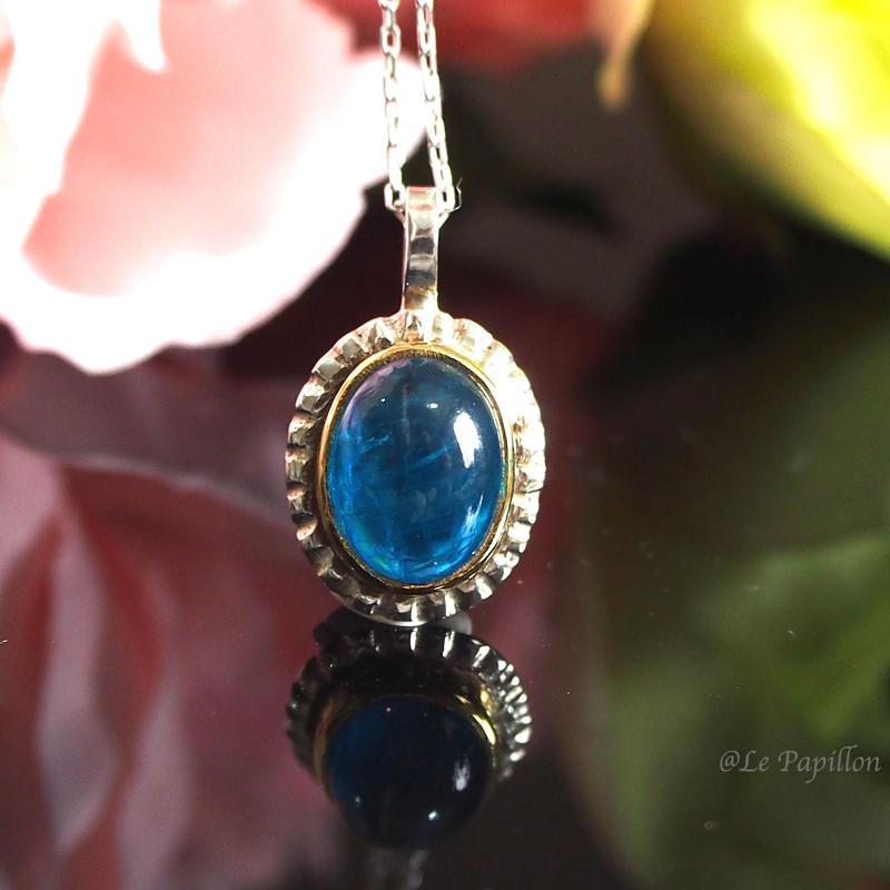 極上❤︎目を惹く美しい青色アパタイト❤︎シルバーネックレス