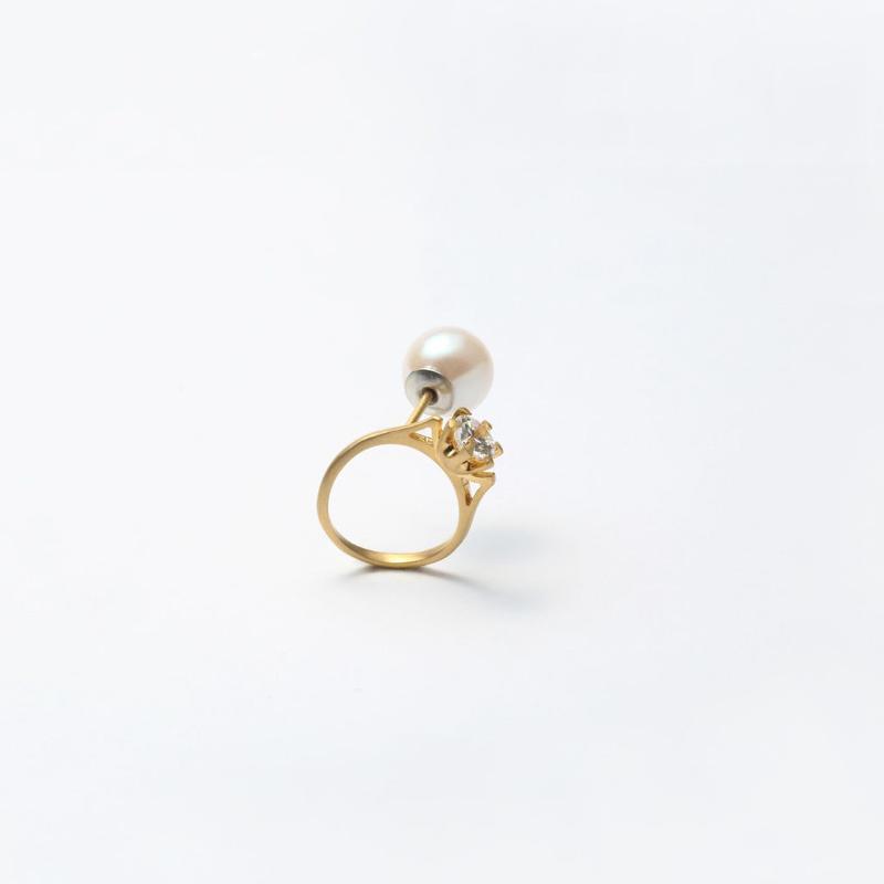 ring motif pierce (cubic zirconia / gold/ front)