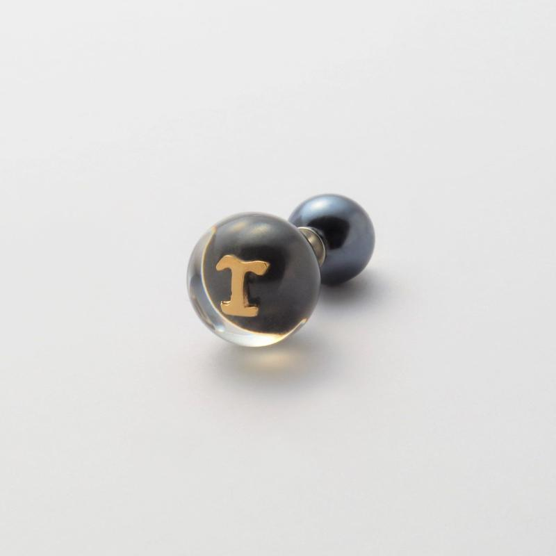 "Initial pierce black ""T"""