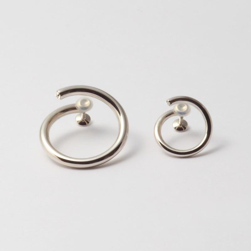 """""""MAYU×HARUNA KAWAGUCHI"""" circle earring"""