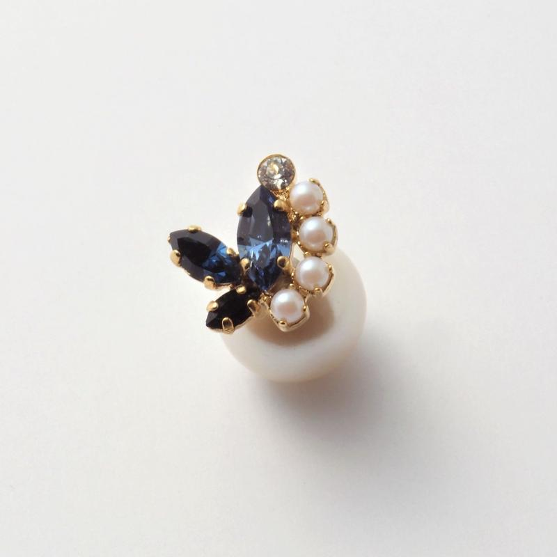 bijoux 3 crystals , 5 pearls pierce(Indigo Blue, pearl Mix)