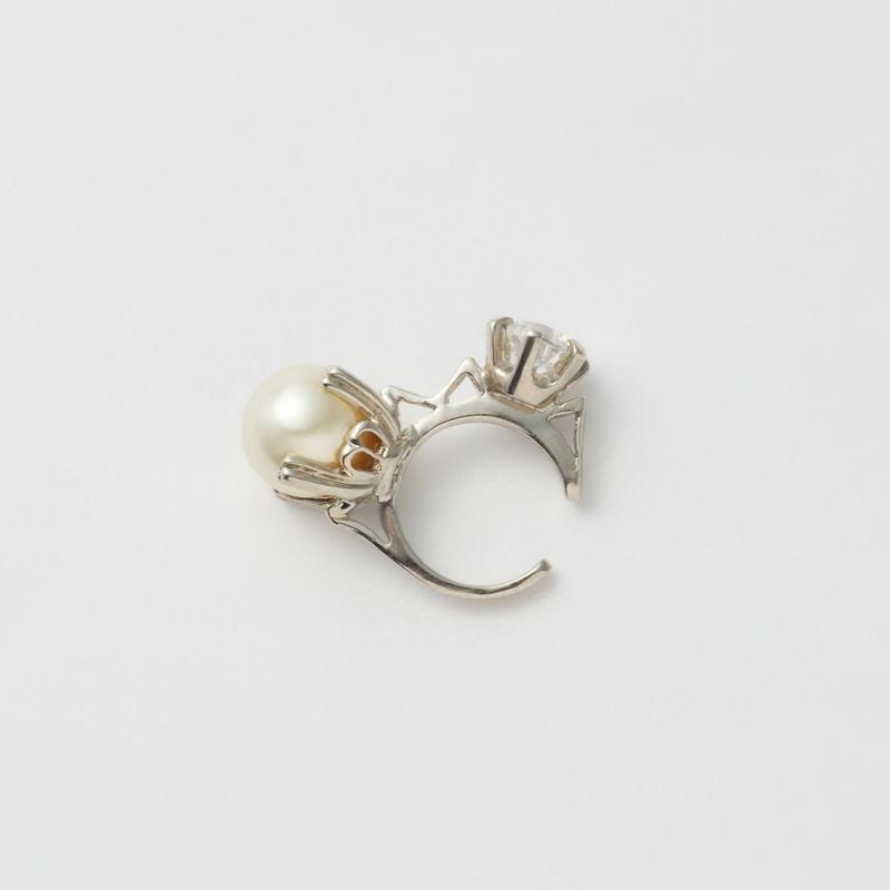 ring motif ear cuff (silver / cubic zirconia / pearl)