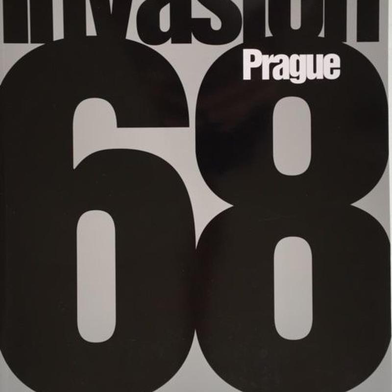 Invasion Prague 68 /  Josef Koudelka