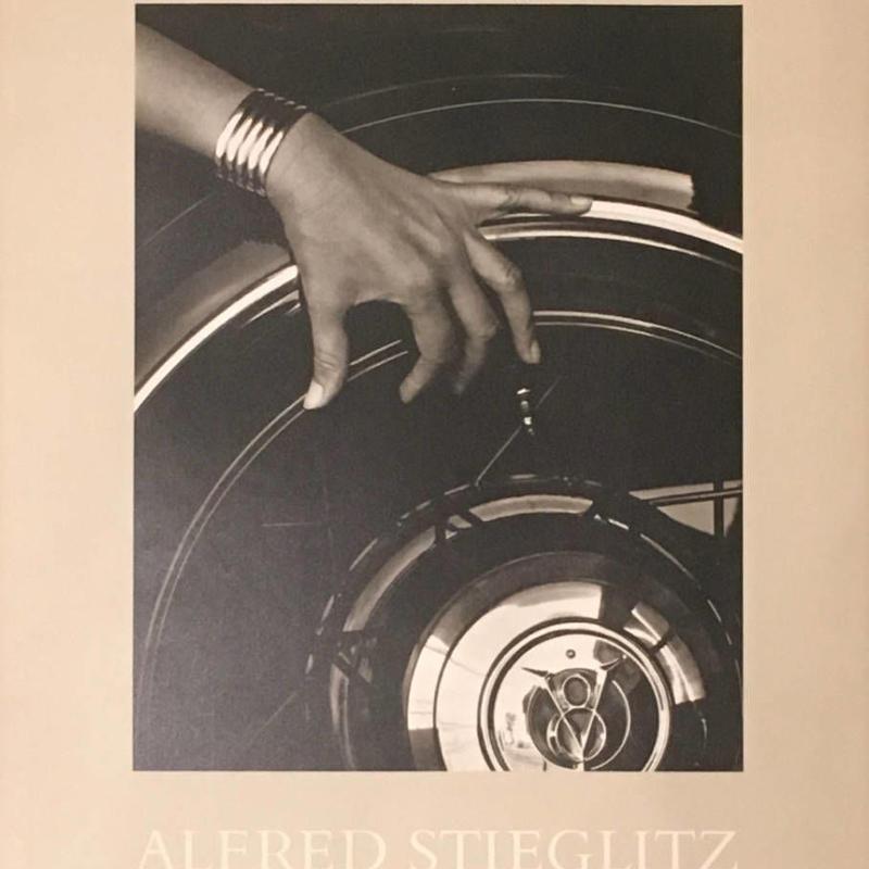 Photographs & Writings / Alfred Stieglitz
