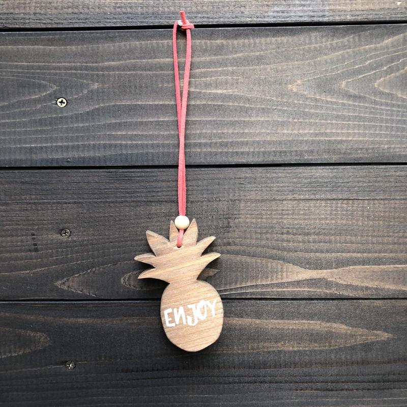 wood charm パイナップル