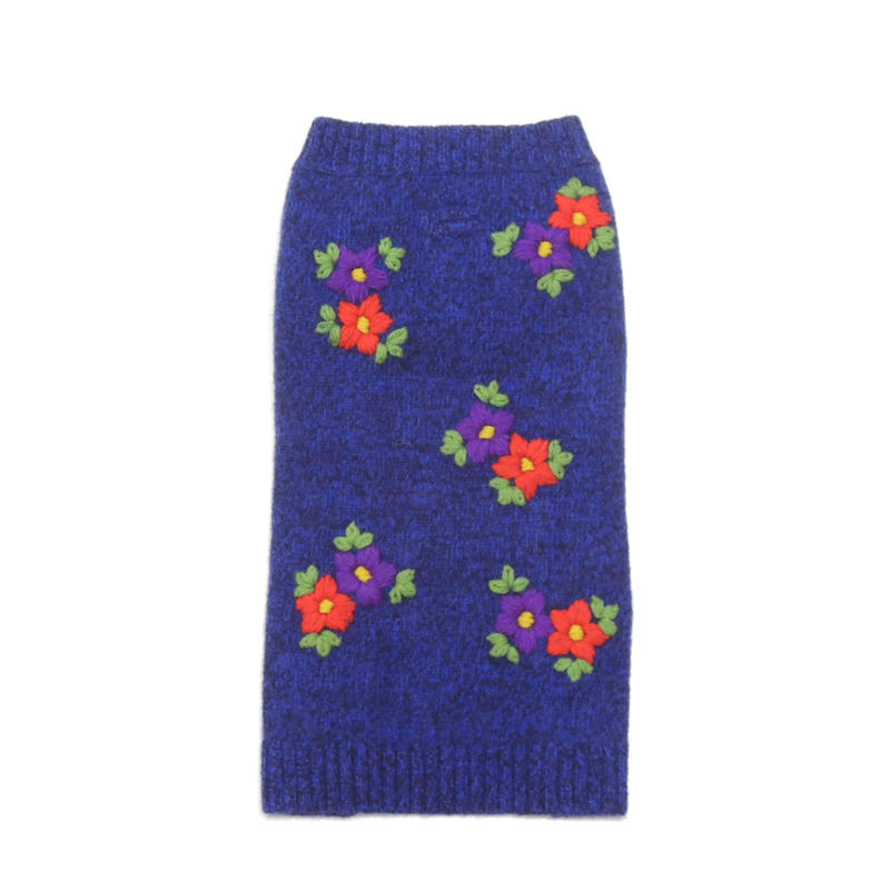Ware Of The Dog  Embroidered Flower sweater/Blue