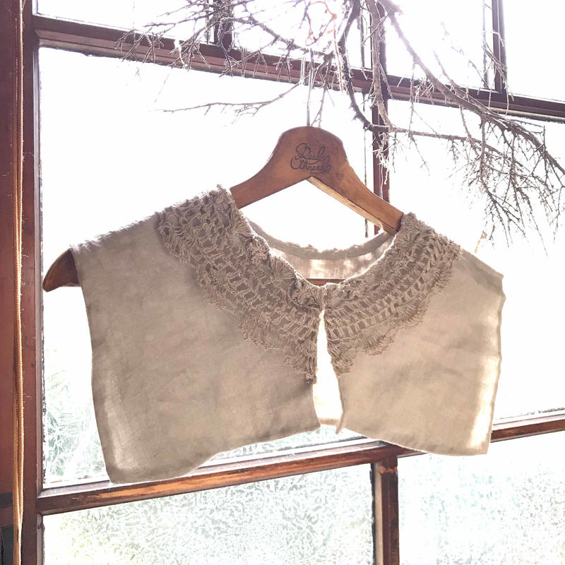 鍵編みとリネンの大きなつけ襟*
