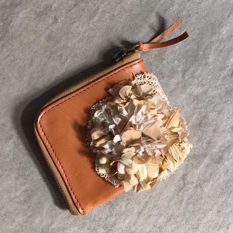 レースとお花の革財布*