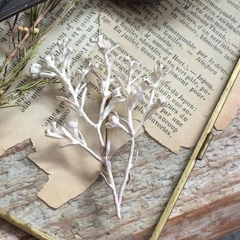 m.soeur ワックスフラワーのブローチ silver
