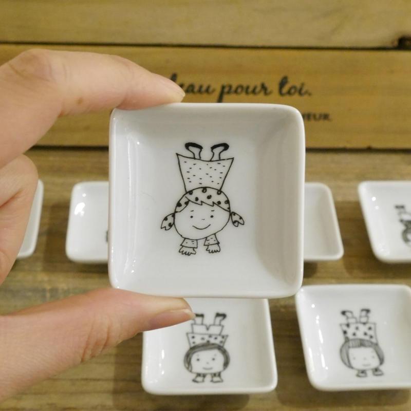 【tomopecco】〈逆立ち〉   豆皿