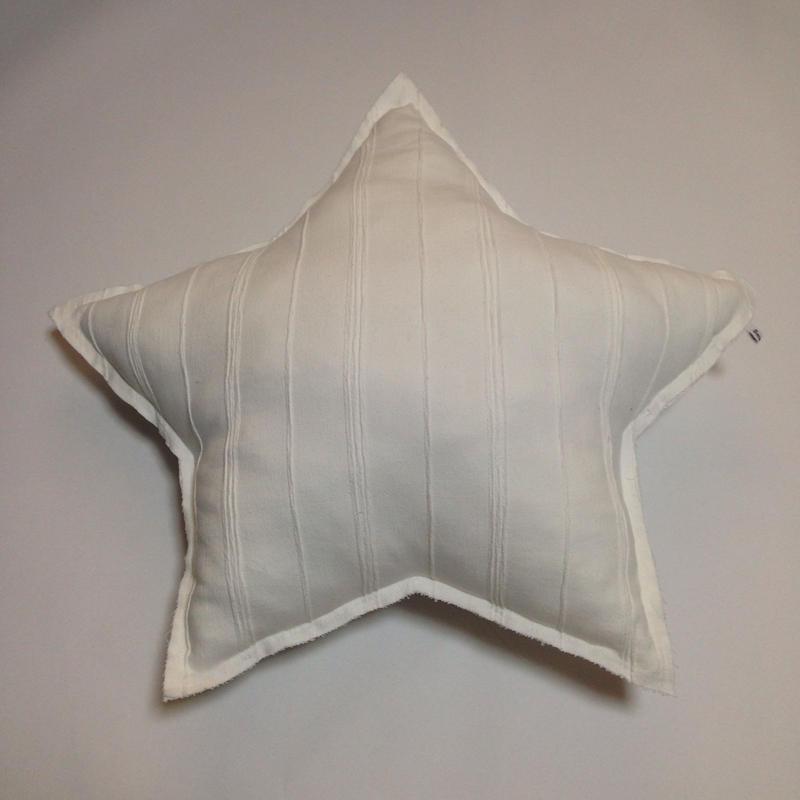 sartoria WHITEお星さまクッション
