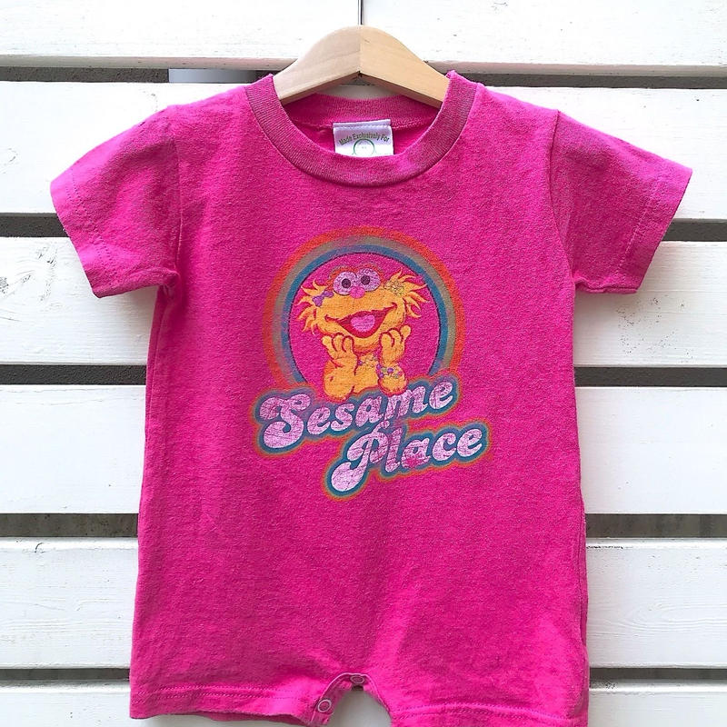 532.【USED】'SESAME PLACE' pink Romper