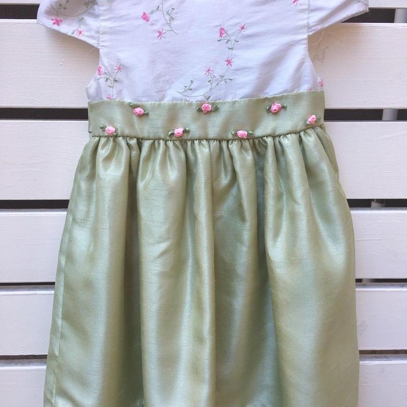 106.【USED】Rose motif Pastel green dress
