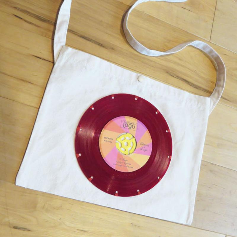 本物のレコードを使ったサコッシュ「bagu」レッドヴァイナル2