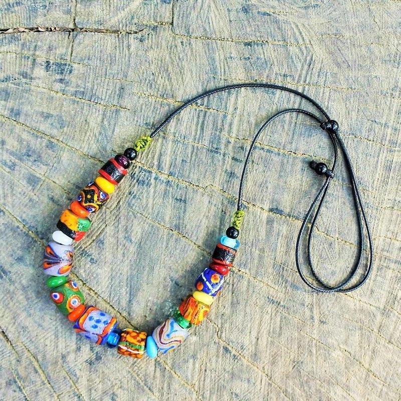 沙滔舞琉璃珠工作室*パイワン族の皮ひも アンティーク加工ネックレス