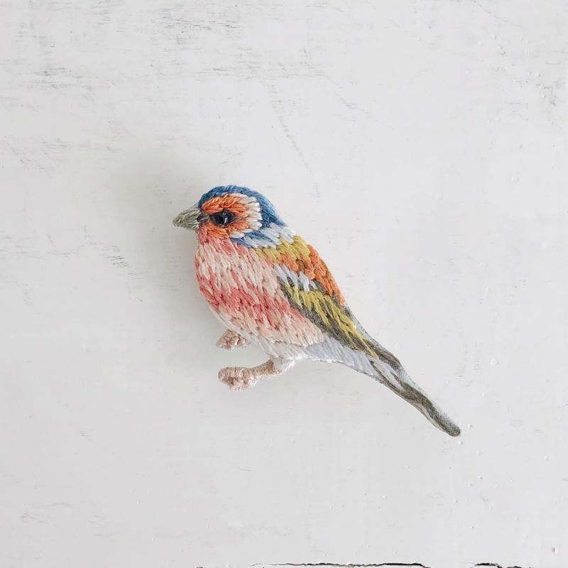 刺繍のブローチ Bird A