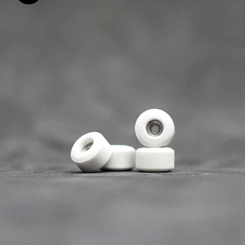 OAKWHEELS RV2 WHITE