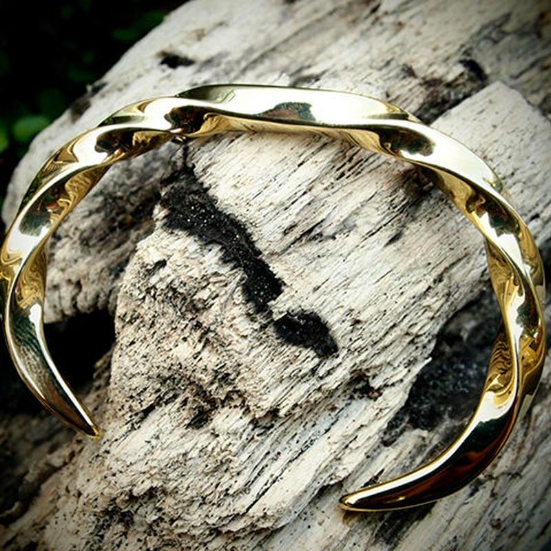 Twist Bangle Brass & Diamond
