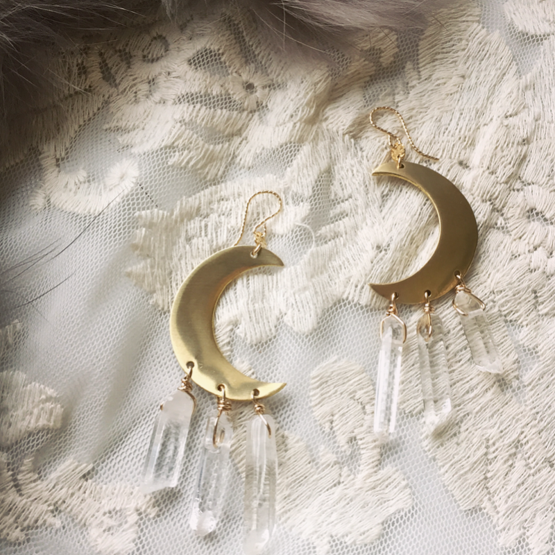 Crescent moon pierced(crystal)
