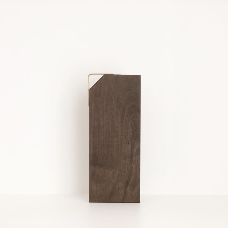 カッティングボード(片側三角形/ウォールナット)