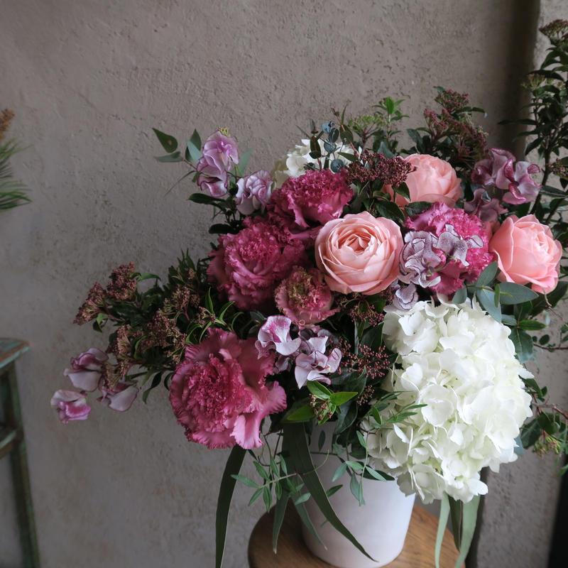 Seasonal arrangement L /季節のお花のアレンジメント L