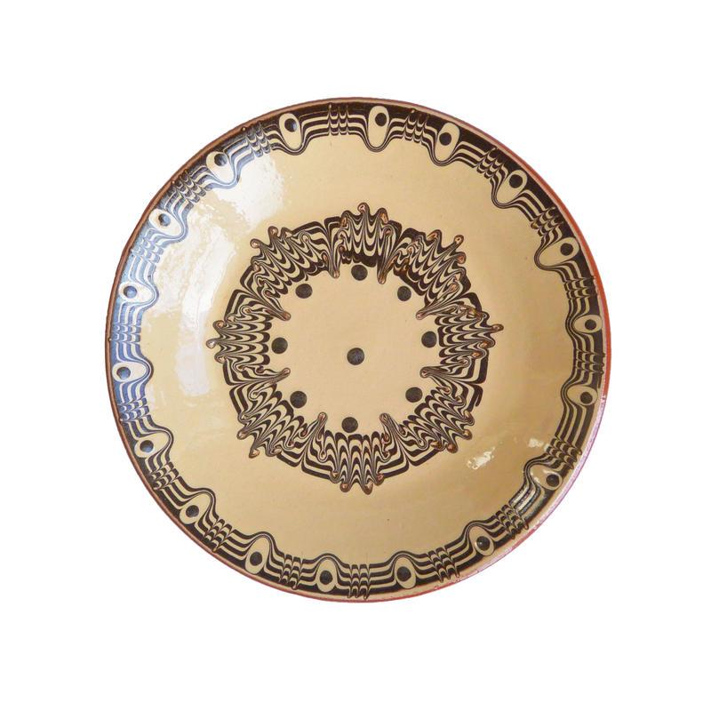"""troyan"" dish (s) -white- bulgaria hand made/ monotone (td-sw)"
