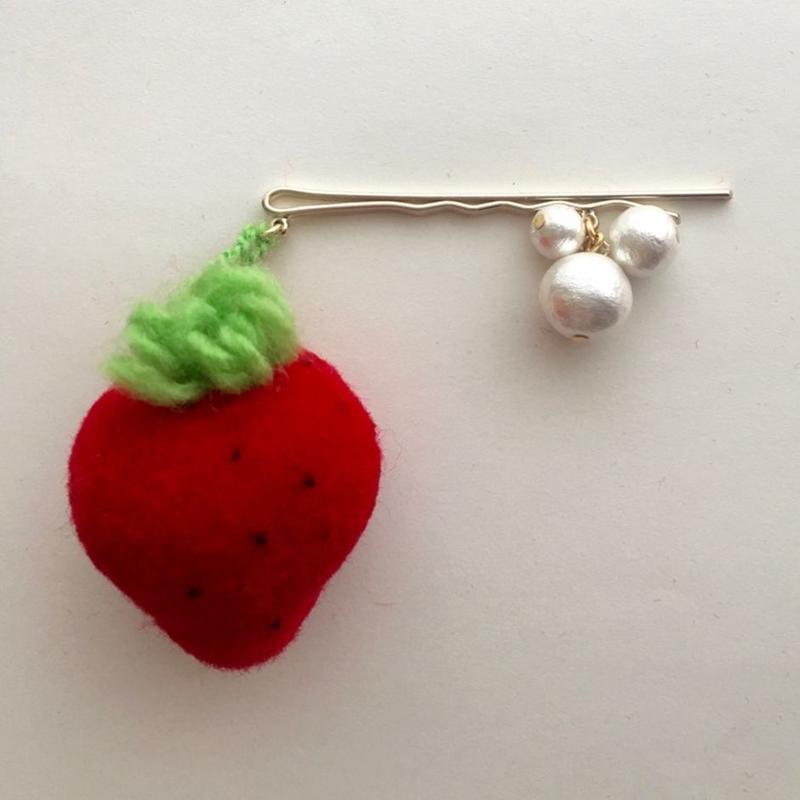 "LYS fruit parlor ""strawberry""コットンパールヘアピン"