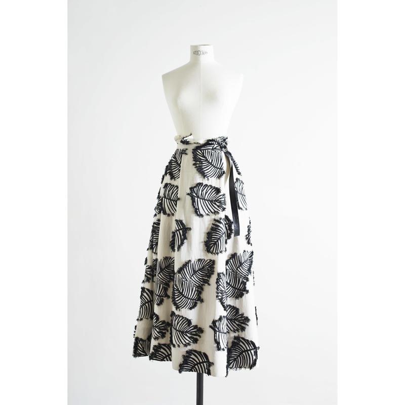 ボタニカルジャガードスカート