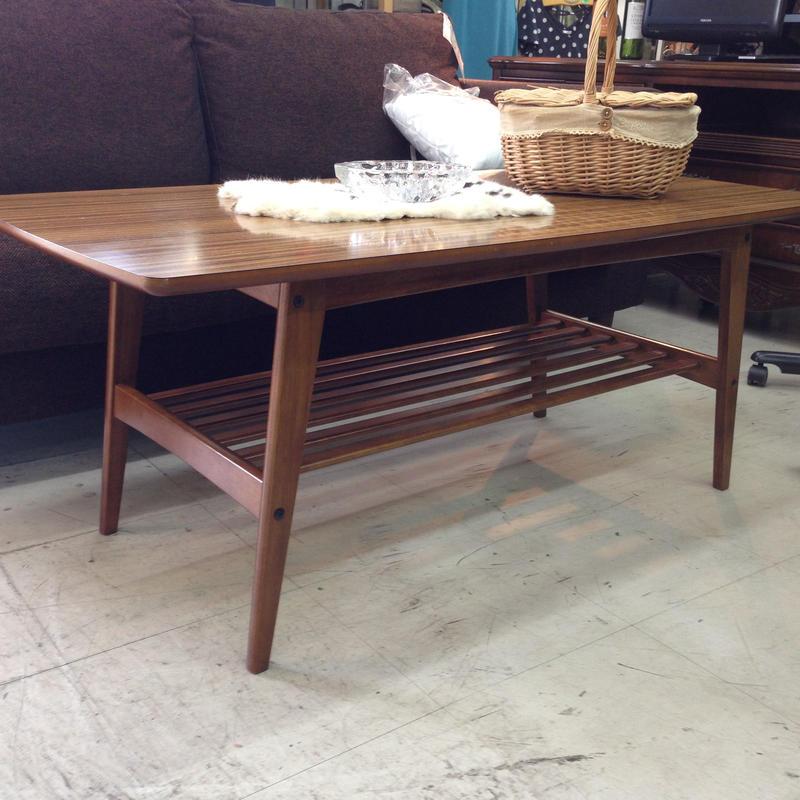カリモク60リビングテーブル