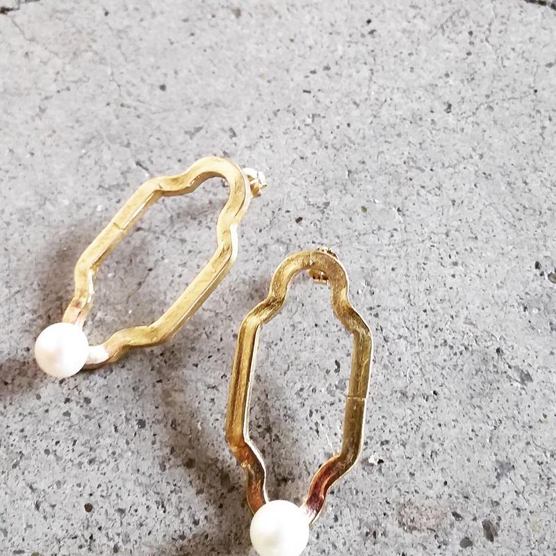 chandelier pearl pierce