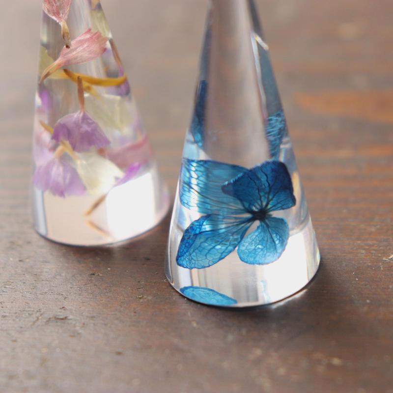 花のリングスタンド(スターチスニ種と紫陽花)