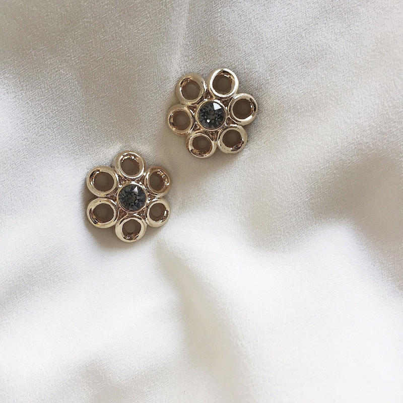 vintage gold flower earring  ※1点のみ