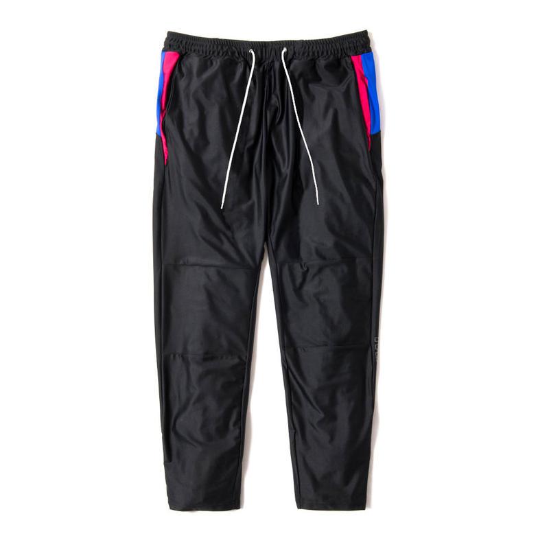 QUARTER LENGTH TRAINING PANTS (BLACK × PINK)