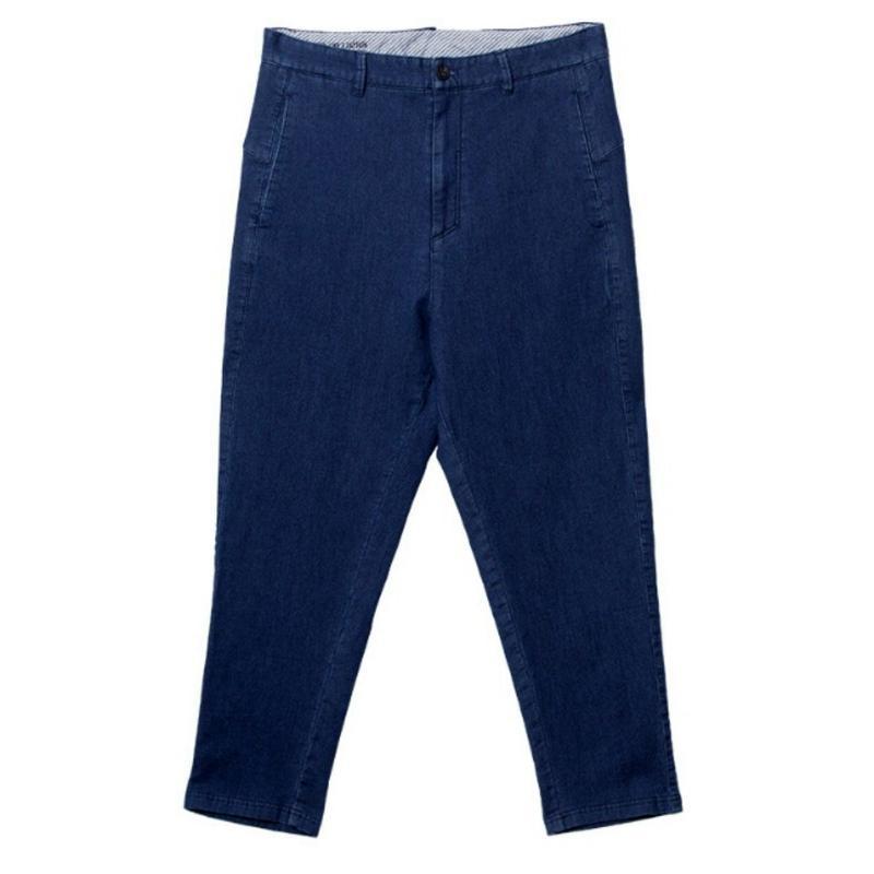 メンズロールアップもおしゃれ青デニムテーパードジーンズ