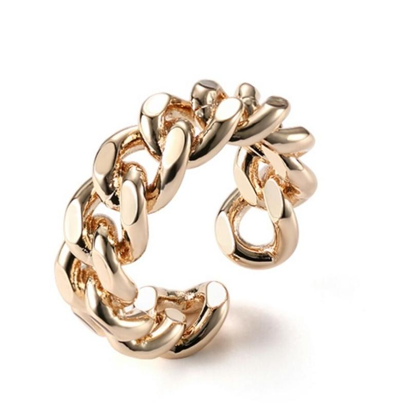 シンプル大ぶり指元のアクセントチェーンモチーフリング指輪