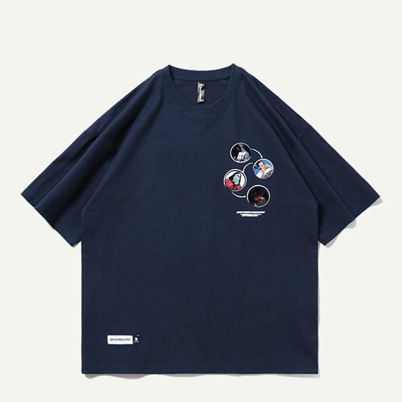 ユニセックス黒/白/グレー/ネイビー肩幅広めおしゃれロゴTシャツ