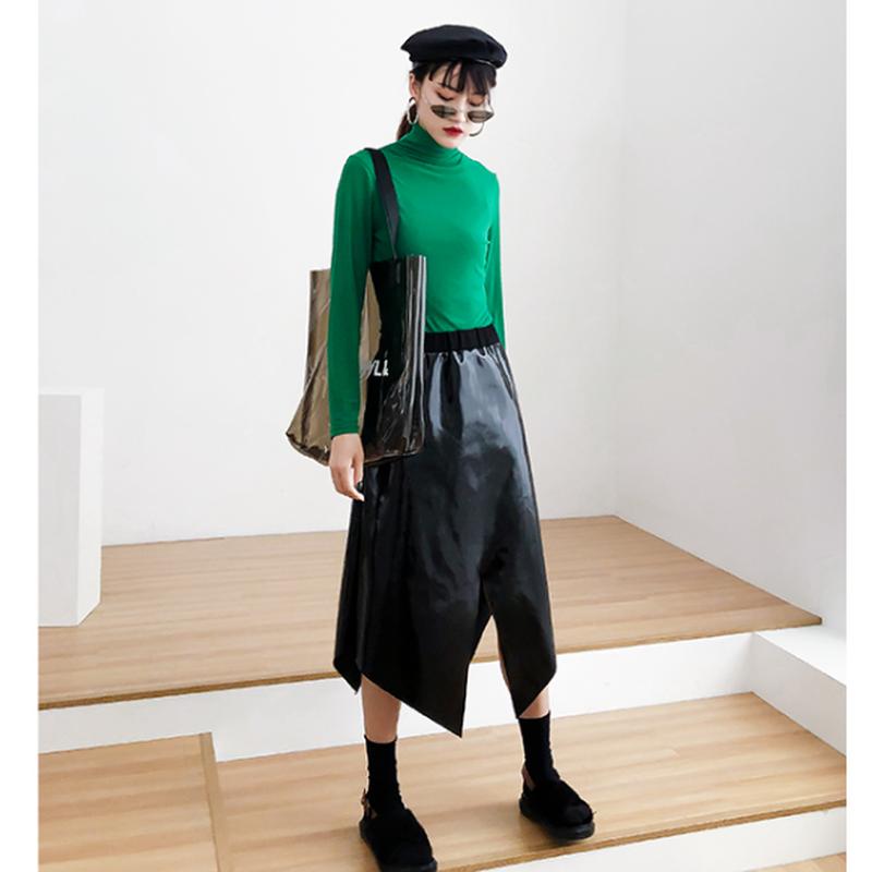 アクティブ変形スリットフェイクレザーロング黒スカート