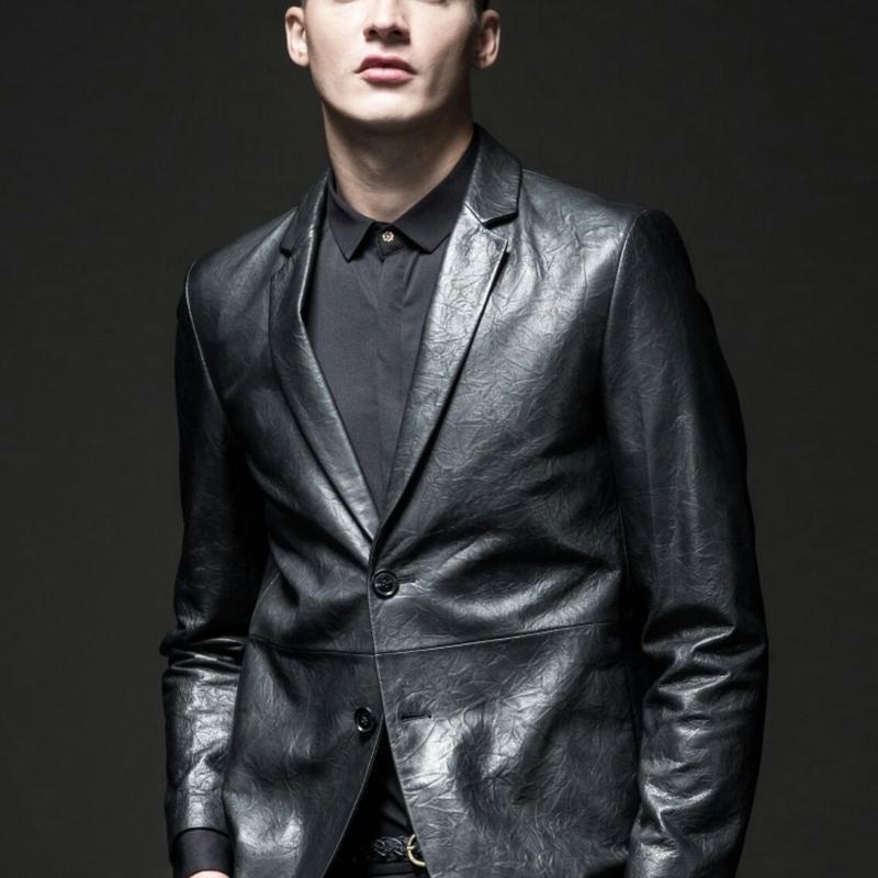 メンズ貫禄黒のシワ加工レザーテーラードジャケット