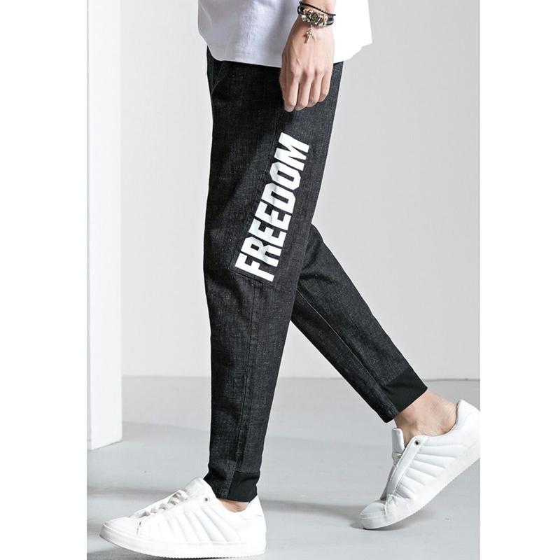 メンズサイド大きいロゴ黒デニムテーパードジーンズパンツ